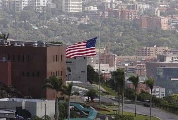 """EEUU ordena al personal diplomático """"no esencial"""" abandonar Venezuela"""