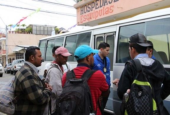 Un grupo de migrantes hondureños regresan voluntariamente desde Guatemala