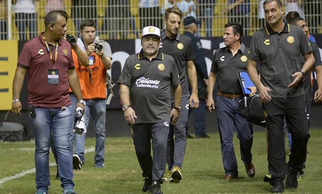 Maradona renueva con los Dorados de Sinaloa, pero no estará en el primer partido del Clausura