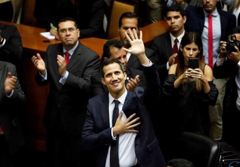 Nuevo jefe del Parlamento de Venezuela apuesta por transición pacífica