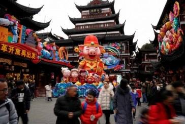 Millones de chinos se congregaron para dar la bienvenida al Año del Cerdo