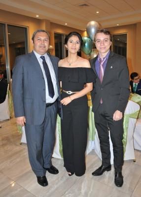 Agustín Rivera, Nadia Deras y Héctor Izaguirre