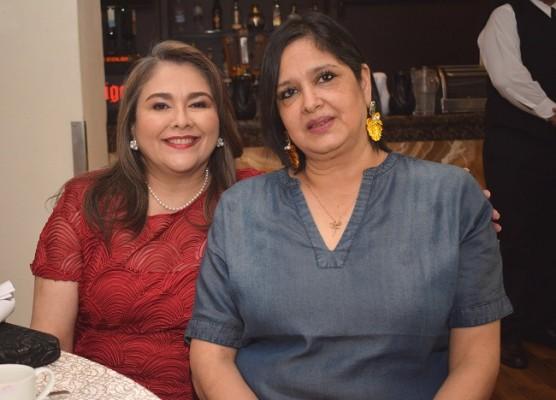 Ana Morales y Rosa María de Naranjo