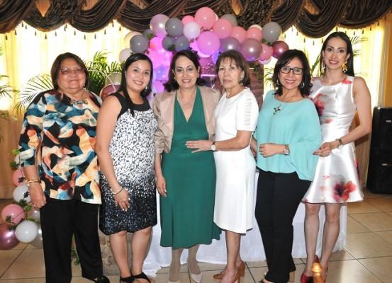 Antonieta Escobar, Jessica Cerritos, Sandra Lili Alvarado, Aura Gatling, Susana Laínez y Sandra Montoya