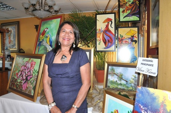 Aunque jamás ha recibido una clase, Vilma Karow se destaca en la categoría principiante y confiesa toma fotografías y las plasma en un lienzo por hobbie.