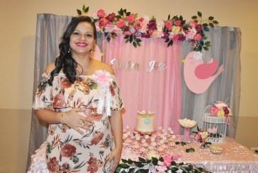 Pajaritos en primavera inspiraron el baby shower de Claudia Melissa