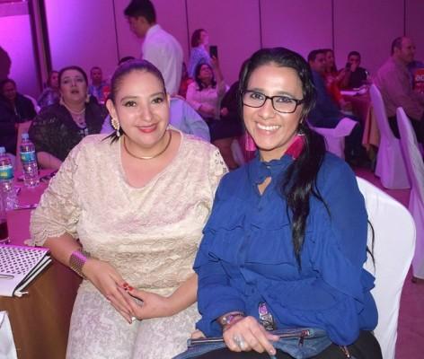 Claudia y Marisela Sambrano