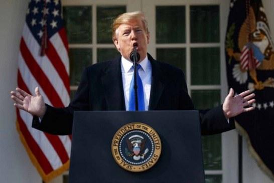 Trump firma emergencia nacional, busca recursos para construir su muro en la frontera con Méxio