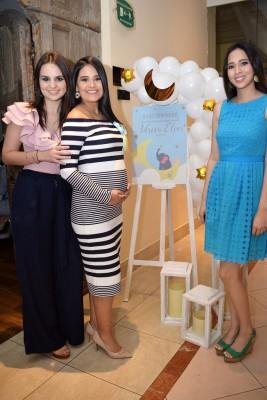 Giselle Membreño, Irma Muñoz de Pavón y Elisa Torres