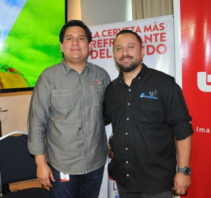 Gustavo Palacios y DJ Allan Vallecillo