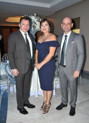 Julio Ávila, Jenny Nasser y Stuart Nasser