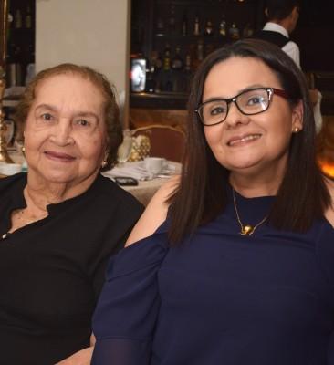 Karen Moreno y Thelma Velásquez