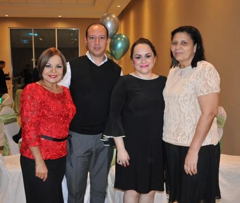 Lizeth Mejía, Óscar Caballero, Marlen de Caballero y Gloria Oseguera