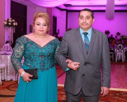 Los padrinos de boda, Domitila Mendez y Oscar Madrid