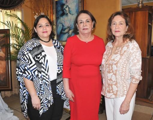 Lucinda Mena, Rosario de Núñez y Carmen de Mena