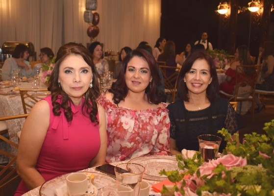 Maribel Hernández, Nancy de López y Carla Pantoja