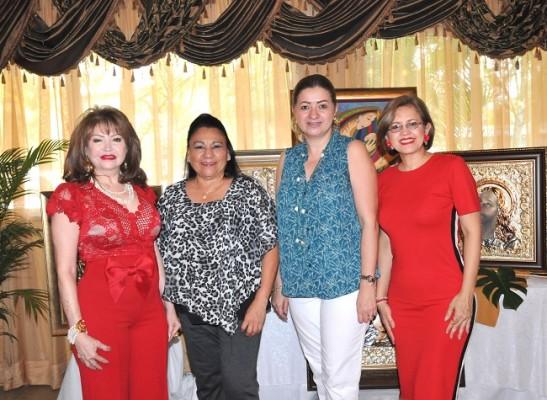 Maritza de Lara, Irma Flores, Laura Enamorado y Lilian Urquía