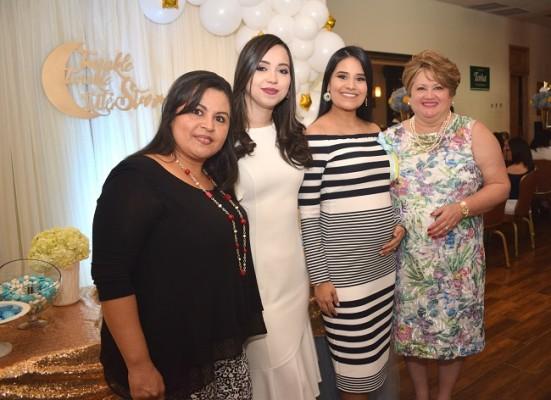 Nora Perdomo, Jenny Paola Ochoa, Irma Muñoz de Pavón y doña Jenny Navarro de Ochoa