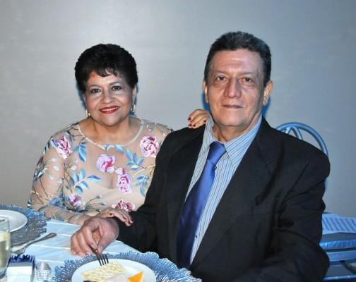 Orestila Banegas y Julio César Orellana