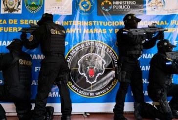 Presidente Hernández aumentará efectivos de la policia para frenar maras y pandillas
