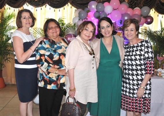 Rabab de Handal, Antonieta Escobar, Vilma Rosales, Sandra Lili Alvarado y Lizeth Nassar