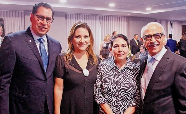 Sebastián Pastor, Rossina Ferrari de Pastor, Gianinna Ferrari y Fuad Faraj