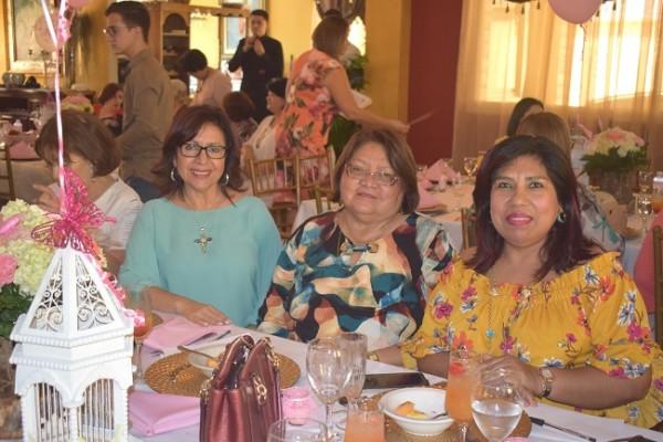 Susana Bulnes de Laínez, Antonieta Escobar y Sheyla García