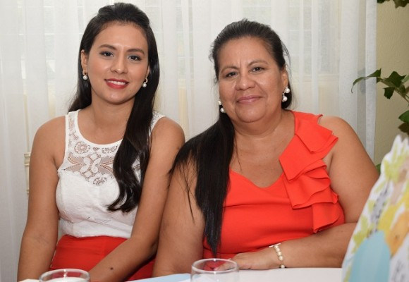 Yessenia Lontero y Mirna Lontero