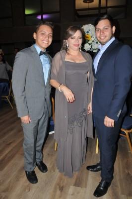 Aaron Mejía, Roxana Rodríguez y Marco Mejía
