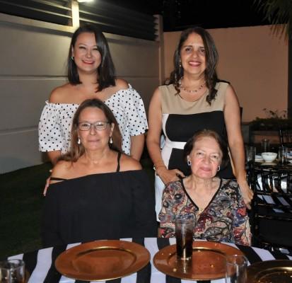 Alejandra Milla, Diana Gutiérrez, Nidia Bodden y Rebeca de Gutiérrez