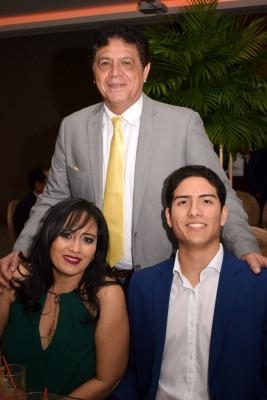 Alex Quan, Teresa y Daniel Quan