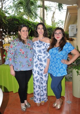 Alice de Andino, Katherine Hasbun y Pamela Laguna