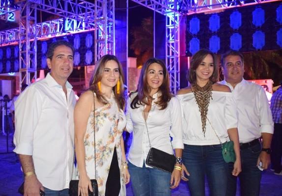 Andrés Hawit, Blanca Hawit, Elena Szydel, Melissa Gutiérrez y Antonio Garza