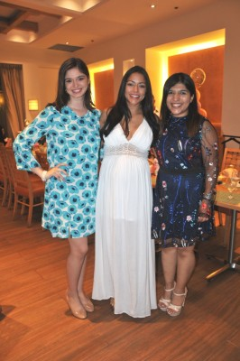 Andrea Naranjo, Nora Margarita Erazo de Bran y su hermana, Sussel Erazo