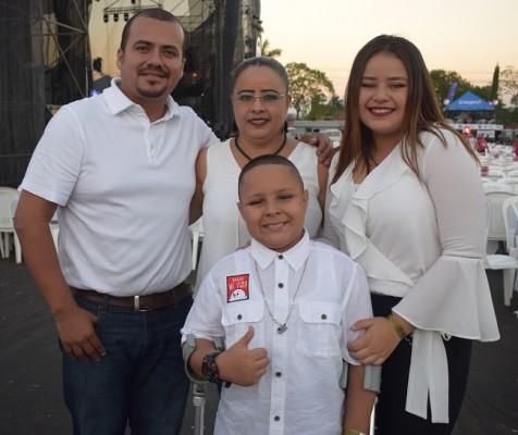 Anguar Murillo, Danuvia Ordon, Cielo Murillo y Anguar Daniel Murillo