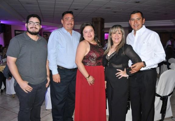 Carlos Hernández, Carlos Funez, Karla Pleitez, Graciela Lara y Alfredo Dubón