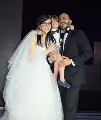 Una imagen fantástica y muy natural de los recién casados