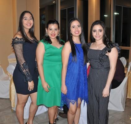 Debora Reyes, Jenny Castro, Elisa y Gabriela Hernández