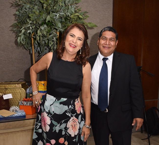 Celebrando el cumpleaños de don Omar García