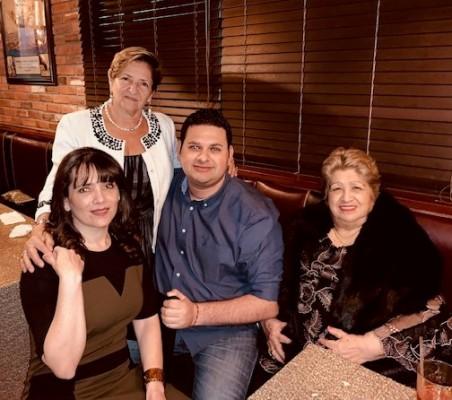Dora María Sandoval, Dora de Sandoval, Raúl Bueso y Licida Sandoval