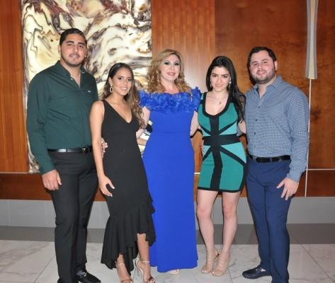 Eduardo López, María Fernanda Torres, Mirian Matta, Andrea Aguilar y Víctor López