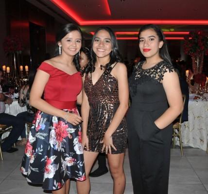 Eileen Reyes, Danniela Morales y Adriana Martínez
