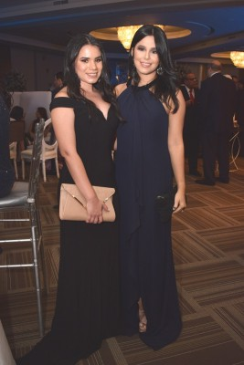 Gabriela y Daniela Alvarado.