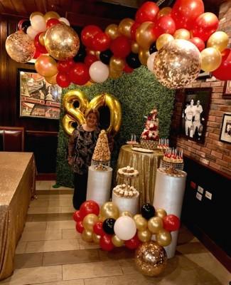 La colorida decoración dispuesta para el cumpleaños de doña Lícida Sandoval
