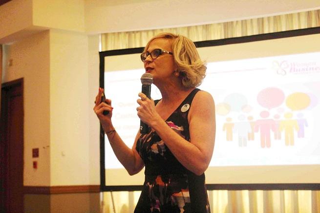 """En """"Women Business"""": Reconocen destacada labor de Patricia Arias"""