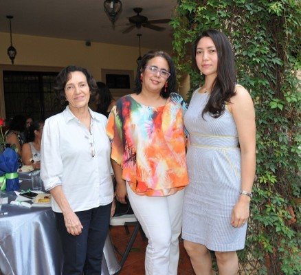 Ingrid Canales, Wendy Valladares y Belkis Valladares