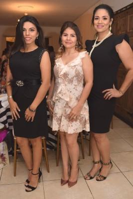 Janine Herdocia, Carolina de Midence y Marisela Larios