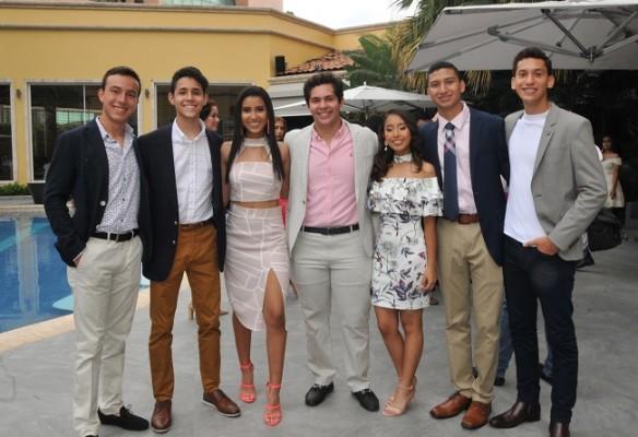 Juan Diego Cisneros, Felix González, Valeria Herrera, Ricardo Chahín, Ivanna Caballero, Jorge Guzmán y Miguel Mancías