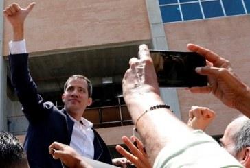 El líder opositor Juan Guaidó regresa sin contratiempos a Venezuela