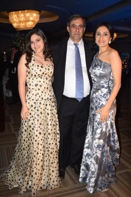 Karim Qubain junto a su hija, Ashley y su esposa, Ellen Qubain.